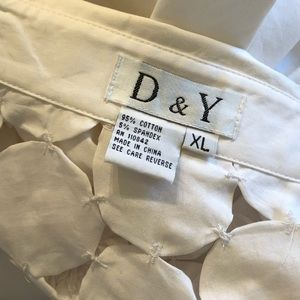 D & Y Tops - White cotton long sleeve misses shirt with cutouts